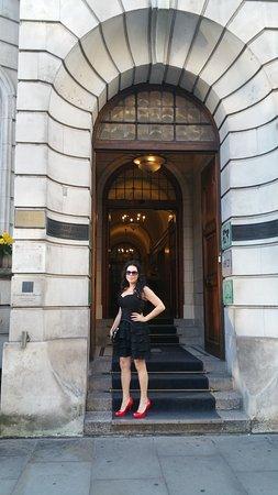 Courthouse Hotel: Bellissima facciata dell'edificio storico che accoglie l'hotel Corthouse.