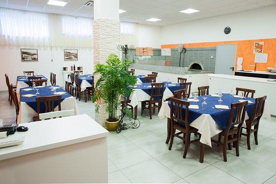 Arzana, Italia: Sala ristorante e pizzeria