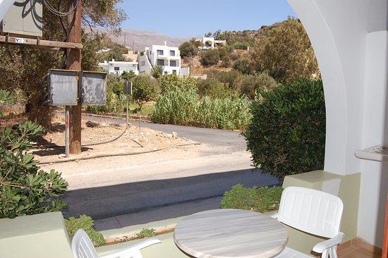 Hotel Alianthos Garden: Ooh, a junction view!