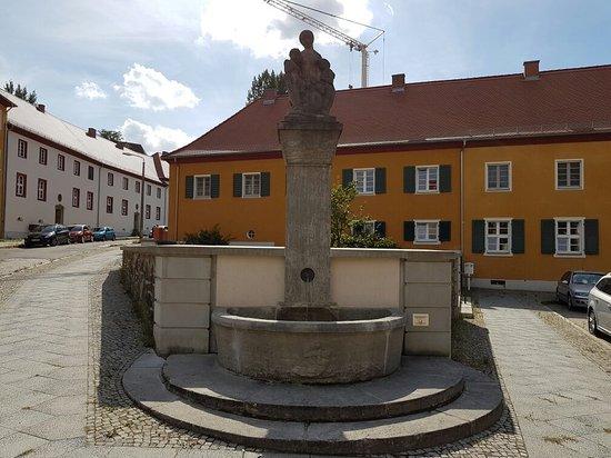 Caritas-Brunnen