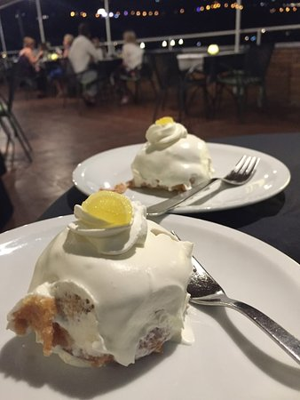 Cesare Augusto: Free lemon cake!