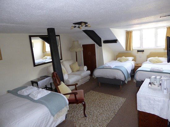Brecon, UK : Room 7 - Family room.  Double and two singles