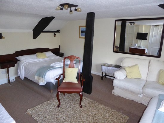 Brecon, UK: Room 7 - Family room.  Double and two singles