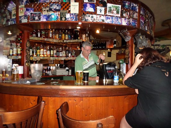 Finnegans Irish Bar
