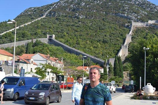 Ston, Croacia: delante de la muralla