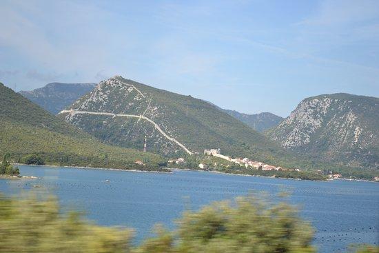 Ston, Croacia: la muralla desde lejos