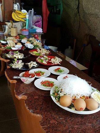 Maret, Thailand: 20160825_141850_large.jpg