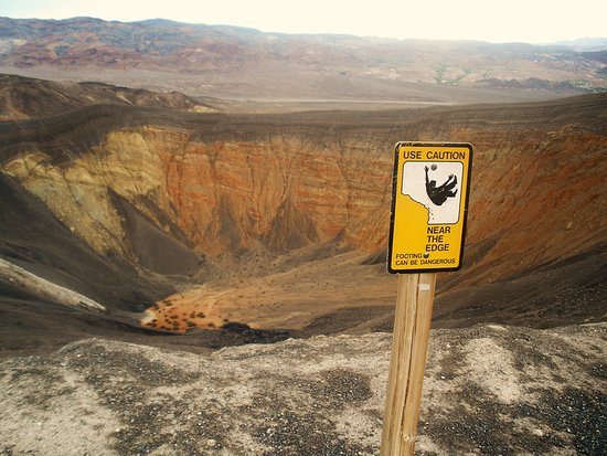 Ubehebe Crater: Don't fall in.