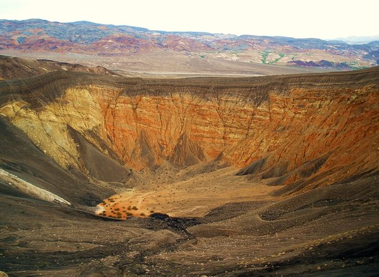 Ubehebe Crater: One big Hole