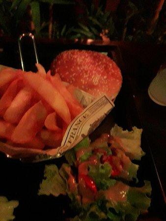 La Valette-du-Var, فرنسا: burger au bacon