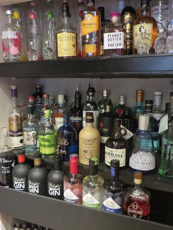 Ashby de la Zouch, UK: Amazing choice of gins