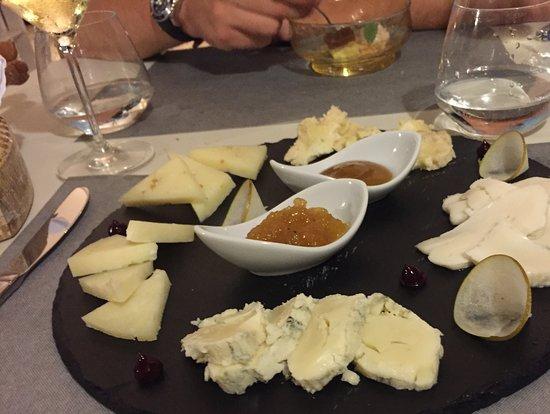 Alvito, Italien: Plateau de fromages (un régal )