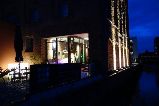 Букстехуде, Германия: Spät am Abend