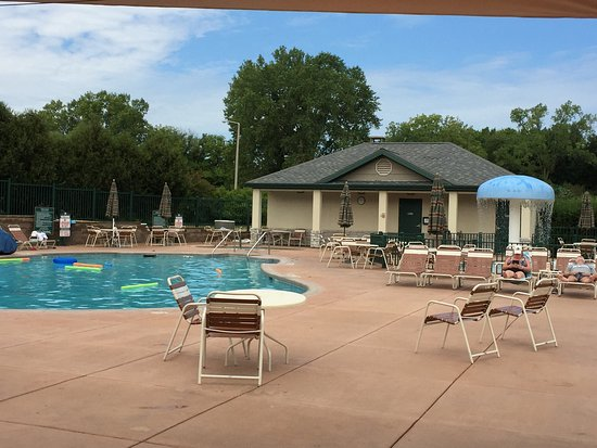 20160928 165744 picture of holiday inn club for Lake geneva resorts cabins