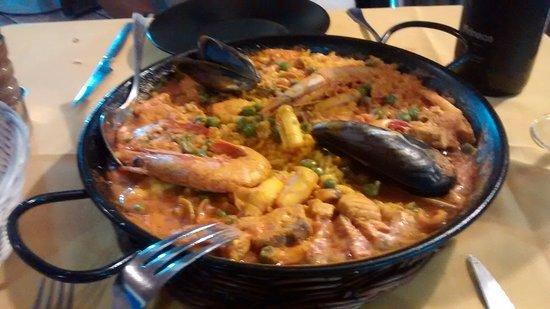 Archidona, สเปน: Excellent sea food paella