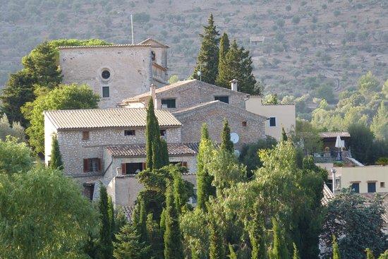Finca Hotel Son Palou: The village of Orient