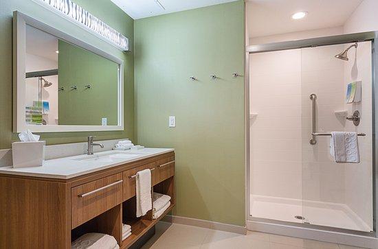 Yukon, OK: Suite Walk-in Shower