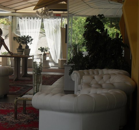 هوتل بوستا: uno spazio comune
