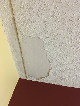 Kearney, MO: Ceiling area fell previous - When ?