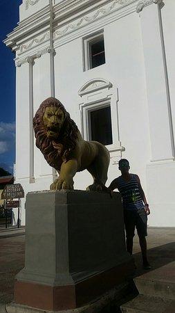 ลีอง, นิการากัว: Basilica Catedral de la Asuncion