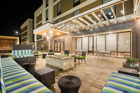 Yukon, OK : Outdoor Patio with Firepit at Twilight