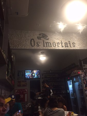 Os Imortais: Inside A Great Small Bar