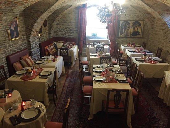 Hotel Castello di Sinio: photo6.jpg