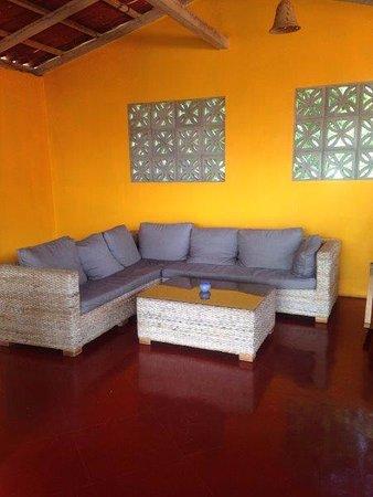 Buena Onda Backpackers: Lounge area