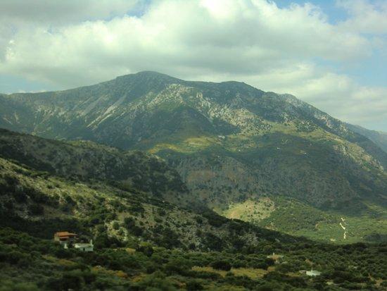 Lasithi Prefecture, Yunani: Подъем к плато