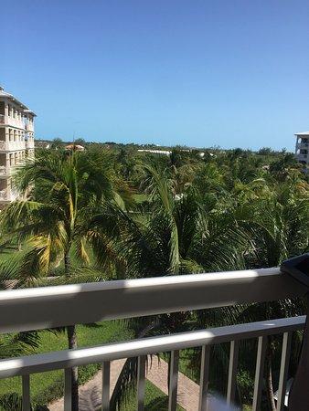 Alexandra Resort: We enjoyed this vacation so much!!