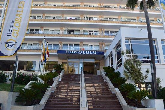 Globales Honolulu Hotel Entrance With Hotels Tripadvisor