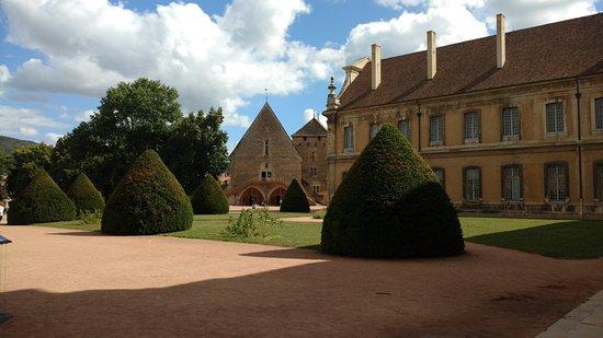 Le parc de l'abbaye de Cluny