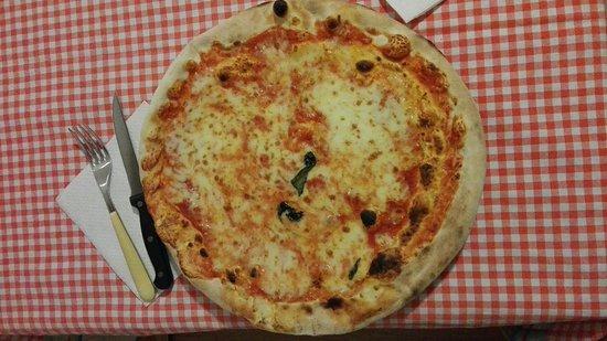 Assago, Italy: Il Trio Pizza SNC
