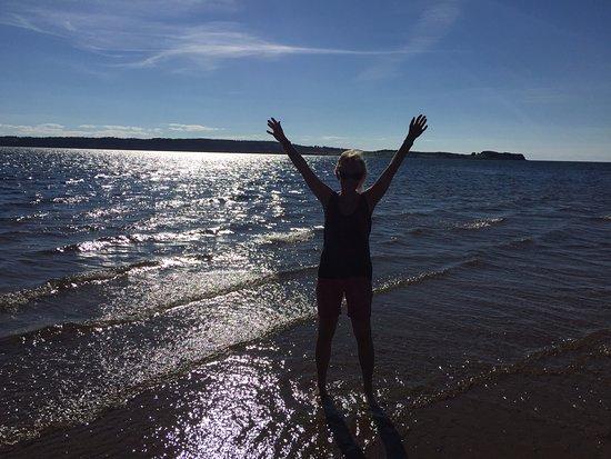 Port Hood, Canada: Am Wasser unter Cottage 1