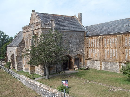 ‪Muchelney Abbey‬