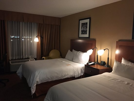 Chelsea, MA: beds