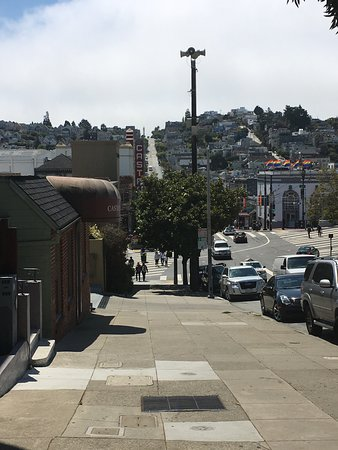 Inn on Castro: Restaurants, nightclubs and public transportation half a block away.