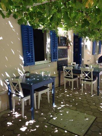 Susak, Croácia: Pergolato