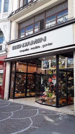 rue de Bethune : vous trouverez toutes sortes de chapeaux chez benjamin