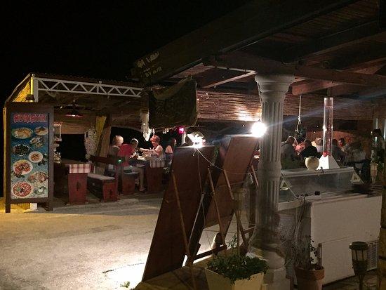 Zaostrog, Hırvatistan: View on the restaurant