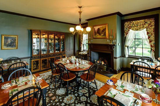 Exeter, NH: Dining Room