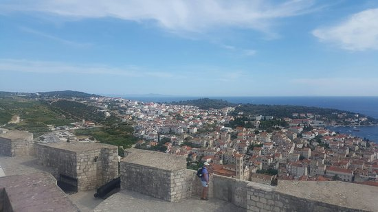 Hvar-fæstningen: 20160802_161512_large.jpg