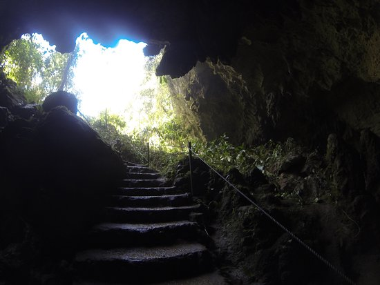 Belmopan, Μπελίζ: The entrance to the cave.