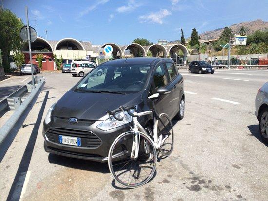 Giardini-Naxos, Italia: At Giardini Naxos Autostrada exit