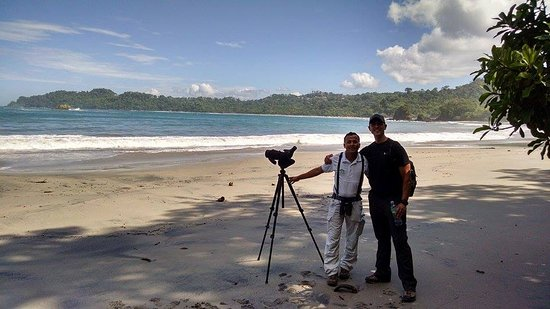 Tulemar Bungalows & Villas: Tour guide Roger @ Manuel Antonio National Park