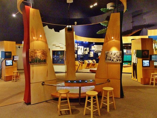 Ashland, WI: Exceptional display areas with photos and objects telling the story of the area.