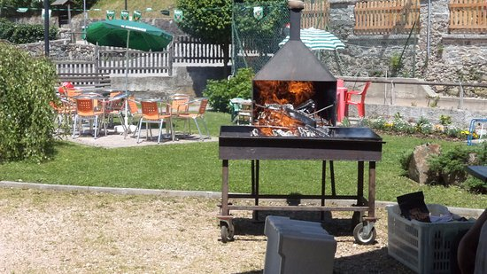 Barbecue in giardino picture of albergo al pin canal - Barbecue in giardino ...