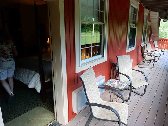 Millersburg, OH: Chairs and table for the Camelot Room
