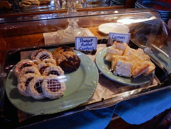 Millersburg, OH: Evening Pastries...Yum
