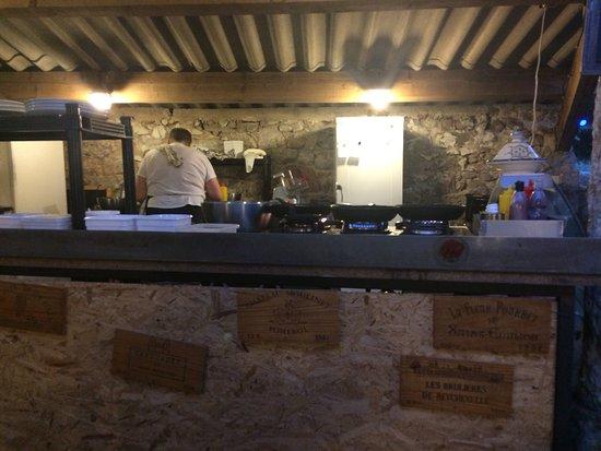 Balazuc, Francia: La cuisine
